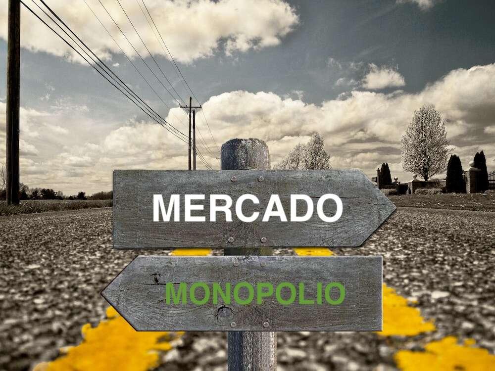 hacia el mercado o el monopolio