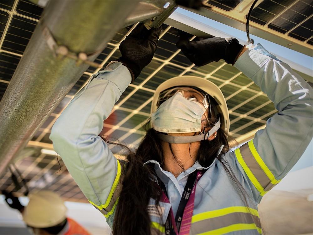 Mujeres en proyectos energia solar